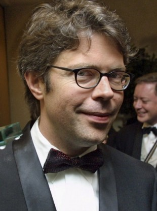 Happily reunited: Jonathan Franzen and his glasses.