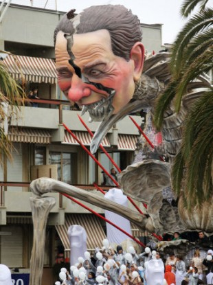 A float depicting Italian Premier Silvio Berlusconi entitled
