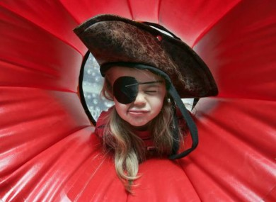 Little pirate Nessa Last (5) helps to launch Mayo Alive Festival, taking place in Temple Bar, Sunday 19th June.