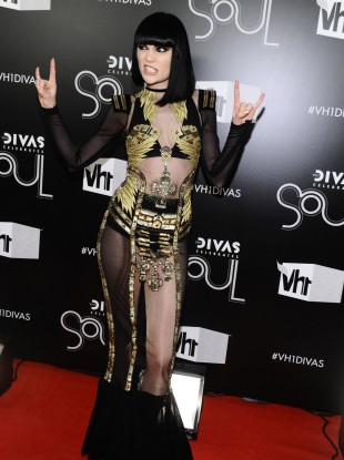 Jessie J arrives at