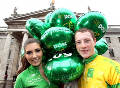 Hannah Devane with Irish cyclist Sam Bennett at the GPO yesterday.