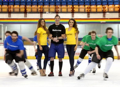 Will Greenwood with skaters in London yesterday.
