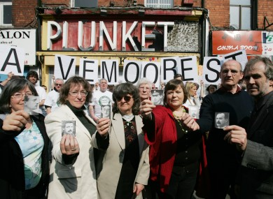 Families of members of the 1916 Rising leaders outside No 16 Moore Street,