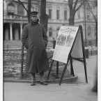 Recruiter at work in City Hall Park, New York, 1908. (Library of Congress, Prints & Photographs Division)