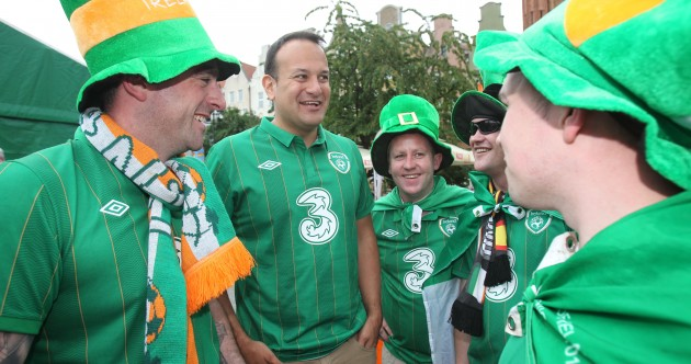 Minister Literally Pulling on the Green Jersey Pic of the Day
