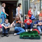 Musicians make their own space to play on Cavan's Main Street. (Photo: Laura Hutton/Photocall Ireland)