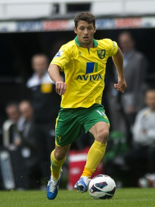 Wes Hoolahan ran the Norwich midfield in an impressive outing against Aston Villa.