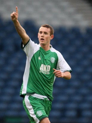 Byrne playing for Hibs.