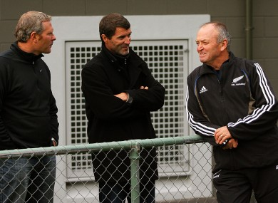 Roy Keane pictured in 2008 with All Blacks coach Graham Henry and Ricki Herbert.