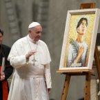 Pope Francis, flanked by Manila Archbishop Cardinal Luis Antonio Tagle<span class=