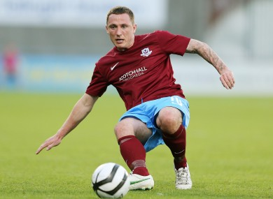 Gary O'Neill in action for Drogheda United.