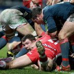 Peter O'Mahony burrows over for a try.<span class=