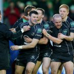 Robbie Henshaw celebrates his first ever Heineken Cup try.<span class=