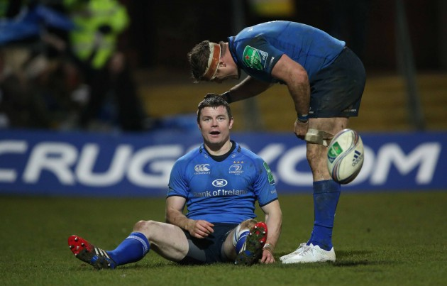 Brian O'Driscoll scores a try and is congratulated by Jamie Heaslip