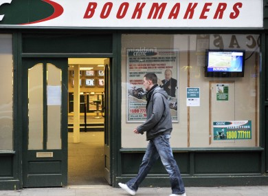 Single manning bookies