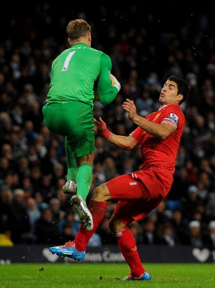 Suarez and Hart will go head to head on Sunday.