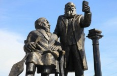 'Selfie statue' removed in Kazakhstan… because people couldn't stop laughing