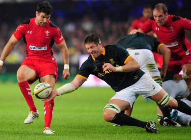 Bakkies Botha beats Mike Phillips to the ball in Durban.