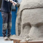 Sculptor Niall Magee at work his sand sculpture as part of the 'Black, White and Grey' themed exhibition by internationally renowned sand sculptors Duthain Dealbh.  Photographed by: Laura Hutton<span class=