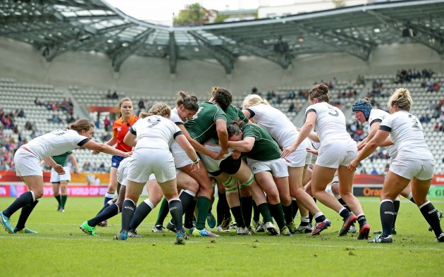 Ireland drive over for the opening try
