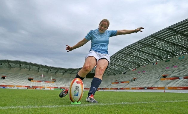 Niamh Briggs during kicking practice 12/8/2014
