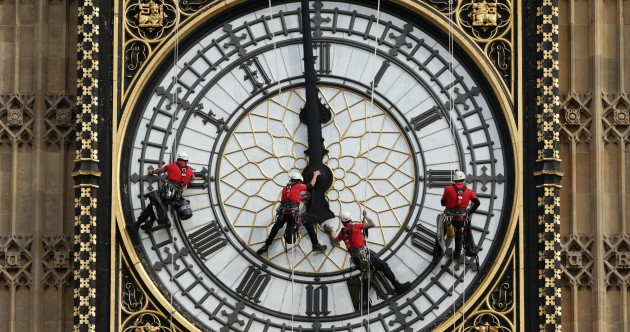 Photos: Four brave people are cleaning Big Ben today