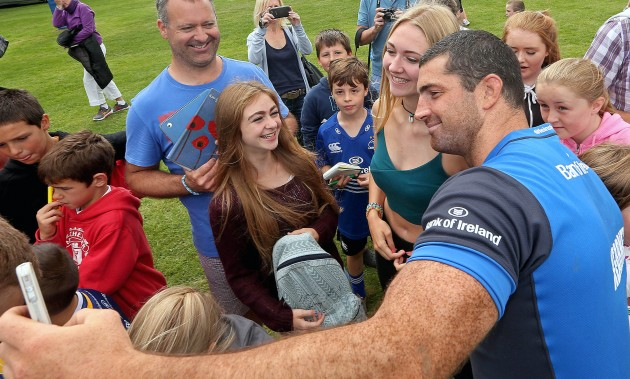 Rob Kearney with Leinster supporters