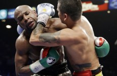 Mayweather outpoints Maidana to extend perfect record