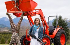 This couple's intense hunting-themed engagement photo is going massively viral