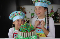 An 8-year-old girl makes €118,000 a month making baking videos for YouTube