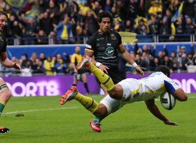 Fofana dives over for the game's decisive score.