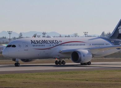 An AeroMexico 787-8 Dreamliner