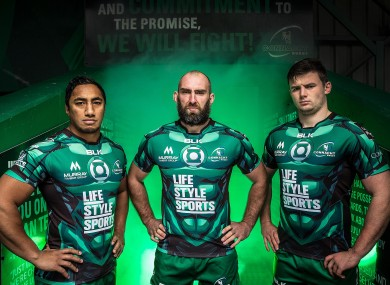Bundee Aki, John Muldoon and Eoghan Masterson at this morning's jersey launch.