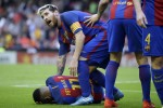 Luis Enrique, Valencia condemn missile throwing after Barcelona winner