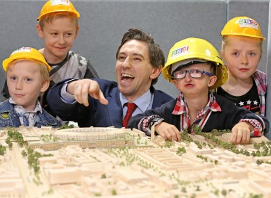 Minister for Health Simon Harris with L-R Daryl Kennedy Kiely (6) ,Devin Kennedy Kiely (13),Anthony Iannucci (10) and Ella Kennedy Kiely (9)