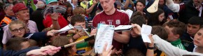 Everyone is loving this photo of Galway hurler Joe Canning signing autographs after yesterday's match