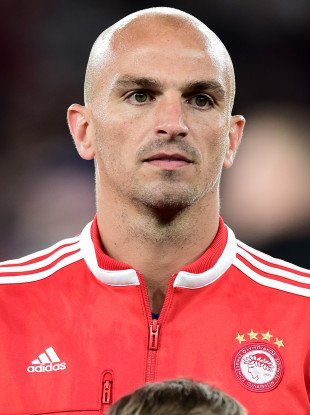 Esteban Cambiasso has brought a stellar career in football to an end.