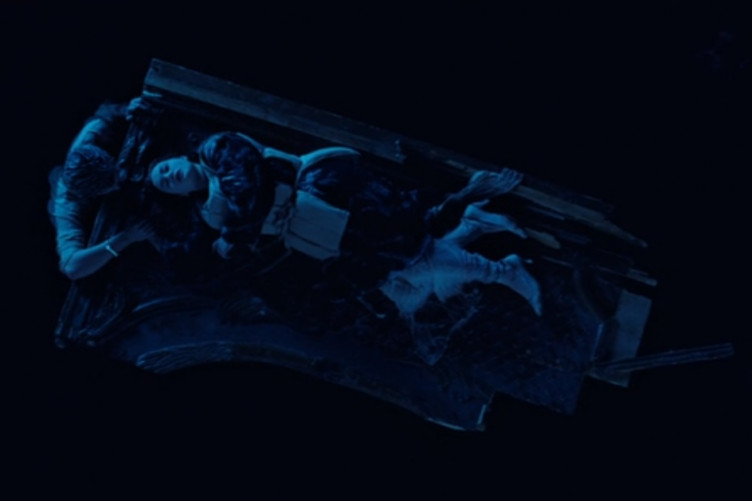 bc6f8024f57 Was Rose actually lying on a door in Titanic  An investigation