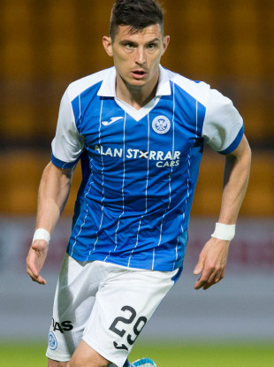 Graham Cummins has joined Cork City from St Johnstone.