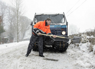 2010: Dublin Civil Defence snow rescue gets to work.