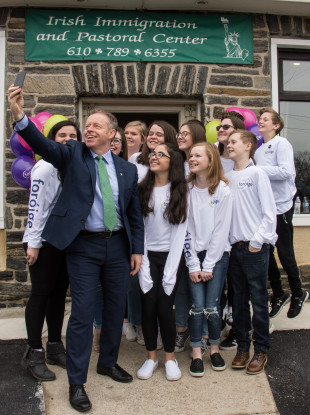 Minister Cannon takes a selfie with the young people: