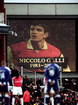 The scoreboard shows a picture of Niccolo Galli a youth team player killed in a road traffic.