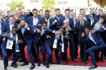 Pogba serenades Kanté after 500,000 welcome victorious French team on Champs-Elysees