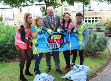 Lord Mayor Nial Ring announcing Dublin City Council's support for World Cleanup Day
