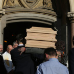 The coffin of the late John Reynolds arriving at the church.<span class=