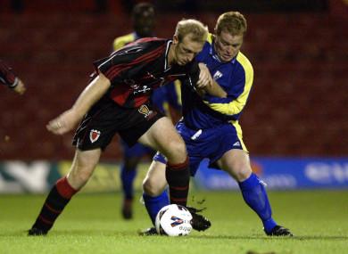 Seamie Crowe battles with Bohemians' Paul Keegan in a League of Ireland clash in 2002.