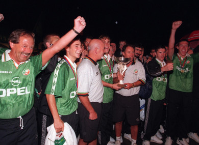Kerr, O'Reilly and the U18 team that won the European championships in '98.