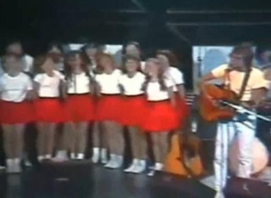 Billie Barry kids and the Dublin City Ramblers in the 1980s. Class.