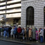 Queues form at the Central Bank on 1 January as people go to exchange their punts for euro.