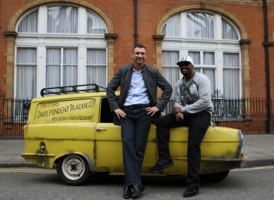 Klitschko and Chisora pose with the Trotters' Reliant Regal at last month's photocall.
